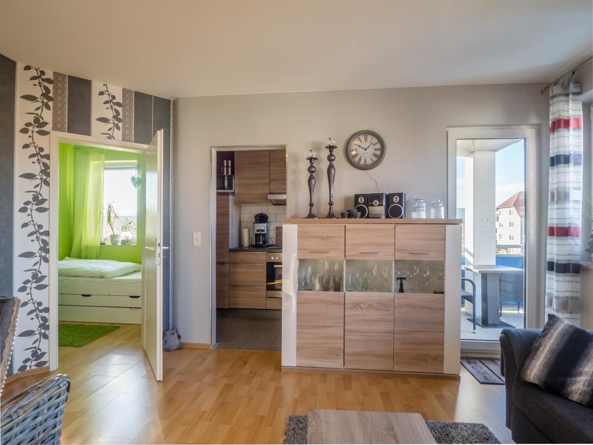 Wohnzimmer - Blick Küche